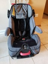 Car Seat in Glendale Heights, Illinois