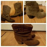 Women's size 8 Boots Lot #1 in Warner Robins, Georgia