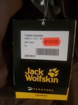 NWT Jack Wolfskin Size XL Woman's Jacket in Grafenwoehr, GE