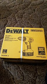 dewalt 18 vlt drill driver reduced to 90.00 in Fort Leonard Wood, Missouri