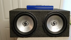 12in speakers with 600w amp in Fort Leonard Wood, Missouri