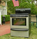 Range Stove Electric-Stainless Steel-Black glass top Excellent Condition Guaranteed in Byron, Georgia