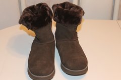 Ladies Skechers Winter Boots (UGGS look alike) size 10 new no box (never used) in Bartlett, Illinois