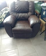 faux leather recliner in Alamogordo, New Mexico
