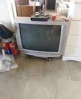 jvc tv with remote in Alamogordo, New Mexico