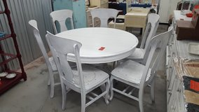 ANTIQUE WHITE TABLE & CHAIRS in Camp Lejeune, North Carolina
