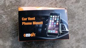 Car vent mount in Huntington Beach, California
