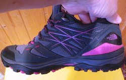North Face Womens 9 Like New Vibram All weather shoes. in Stuttgart, GE