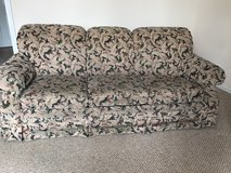 old lazy boy sofa in Fort Campbell, Kentucky
