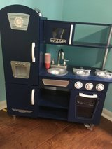 Kid Craft Play Kitchen in The Woodlands, Texas
