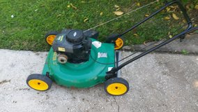 Weed eater 22in push mower in Kingwood, Texas