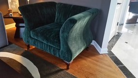 BEAUTIFUL AND BIG VELVET GREEN CHAIR in Chicago, Illinois