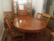 Dining Table and 6 chairs in Hopkinsville, Kentucky