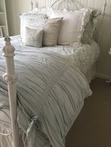 Potterybarn queen comforter cover and sham in Quantico, Virginia