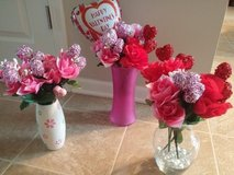 FLOWER ARRANGEMENTS @ )-,-'-- in Yorkville, Illinois