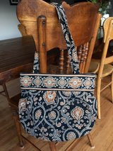 Vera Bradley purse in Aurora, Illinois