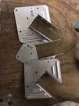 20 truss conectors best offer in Plainfield, Illinois