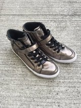 Guess shoes size 9.5 in Okinawa, Japan
