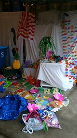 tropical themed party decorations in Yorkville, Illinois