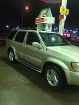 2001 Infiniti qx4. Very good shape in Glendale Heights, Illinois