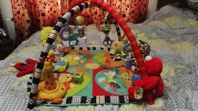 Play mat for baby, full with toys w/music in Ramstein, Germany