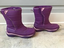 Girls (Youth) Lands End Snow Boots - Purple Size 5 (Like NEW!) in Plainfield, Illinois