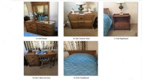 OAK TWIN BEDROOM SET  7  PIECES in New Lenox, Illinois