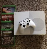 Xbox one s with 4 games in Fort Hood, Texas