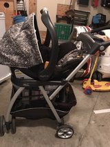 Chicco KeyFit30 car seat, base, stroller frame in Warner Robins, Georgia