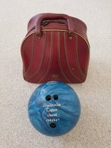 Vintage Bowling Bag Burgundy Single Ball Metal Rack BRUNSWICK WINDJAMMER in Oswego, Illinois