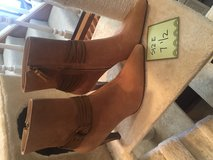 Suede boots like new in DeRidder, Louisiana