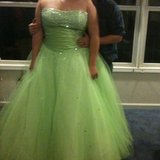 Beautiful green dress in Rolla, Missouri