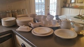 Pottery Barn Emma Dinnerware Collection in Sandwich, Illinois