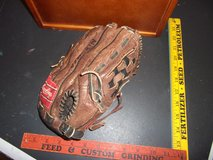 DEREK JETER BB Glove in Perry, Georgia