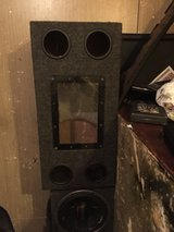 12 sub woofer box in Tacoma, Washington