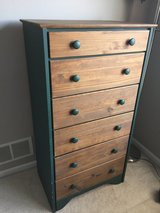 6-drawer wooden chest (green accents) in Naperville, Illinois