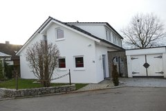 Large, beautiful, detached single family house with large garden - one pet is welcome! in Stuttgart, GE