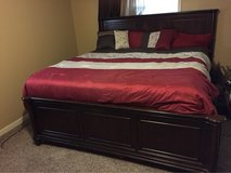 California kind bed and dresser/mirror in Fort Polk, Louisiana