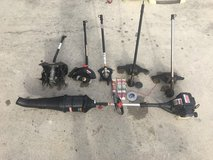 32cc Craftsman weed eater with attachments in Jacksonville, Florida