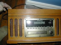 DETROLA RECORD PLAYER, CD, CASSETTE RADIO ALL IN ONE in Bartlett, Illinois