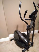 Gold's gym stride trainer 310 in Fort Leavenworth, Kansas