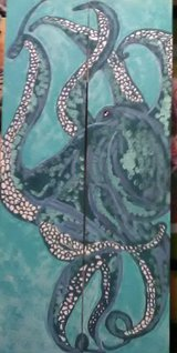Painted octopus on wood in Keesler AFB, Mississippi
