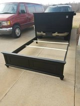 Simmons Queen Size Bed in Clarksville, Tennessee