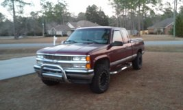 98 Z71 ext. Cab 4WD , 5.7, New goodyear mud grips,procomp rims,bedliner,toolbox in Moody AFB, Georgia