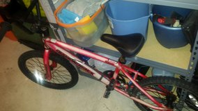 boys Diamond back bike in Fort Belvoir, Virginia