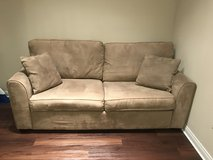 Couch with pull out bed in Fairfield, California