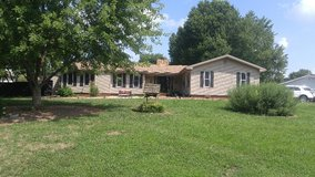 Renovated Ranch with an Amazing outdoor space in Fort Campbell, Kentucky
