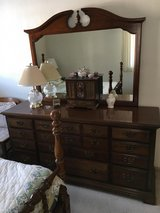 QUEEN ANN BEDROOM SET 6  PIECES in Shorewood, Illinois