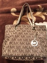 AUTHENTIC MICHAEL KORS PURSE in Conroe, Texas
