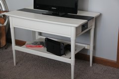 TV Stand/Night Stand/End Table in Yorkville, Illinois